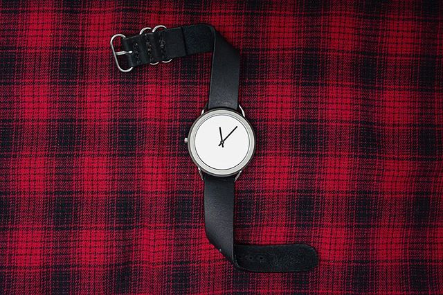 LaZy Sunday? Check out our style of the day: The sleek classic black nato strap & silver Vario. #vivalavario • • • • • • • #watchess #dailywatches #watchesofinsta #natostraps #leatherdesign #tooledleather #natonation #classystreetwear #classydapper #classyfashion #tailoredfit #dapperfashion #dappertime #menstylefashion #menstyleofficial #menstyleblogger #mensfashionguide #swissmovement #vegetabletannedleather #menstyle #mensstyle #watches #designlovers #highsnobiety