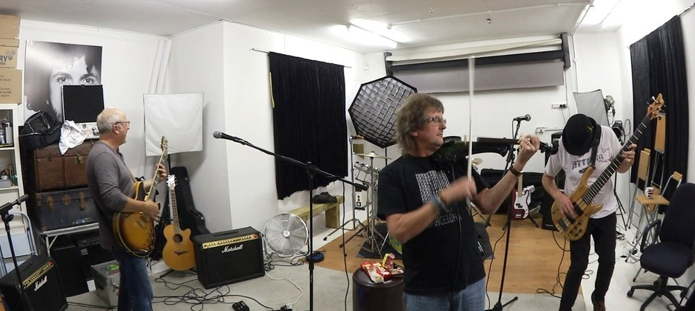 Ian Cutler rehearsing with Splink