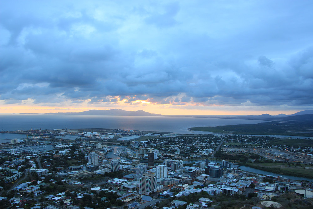 Sunrise over Townsville from Castle Hill - @lauriecrayston