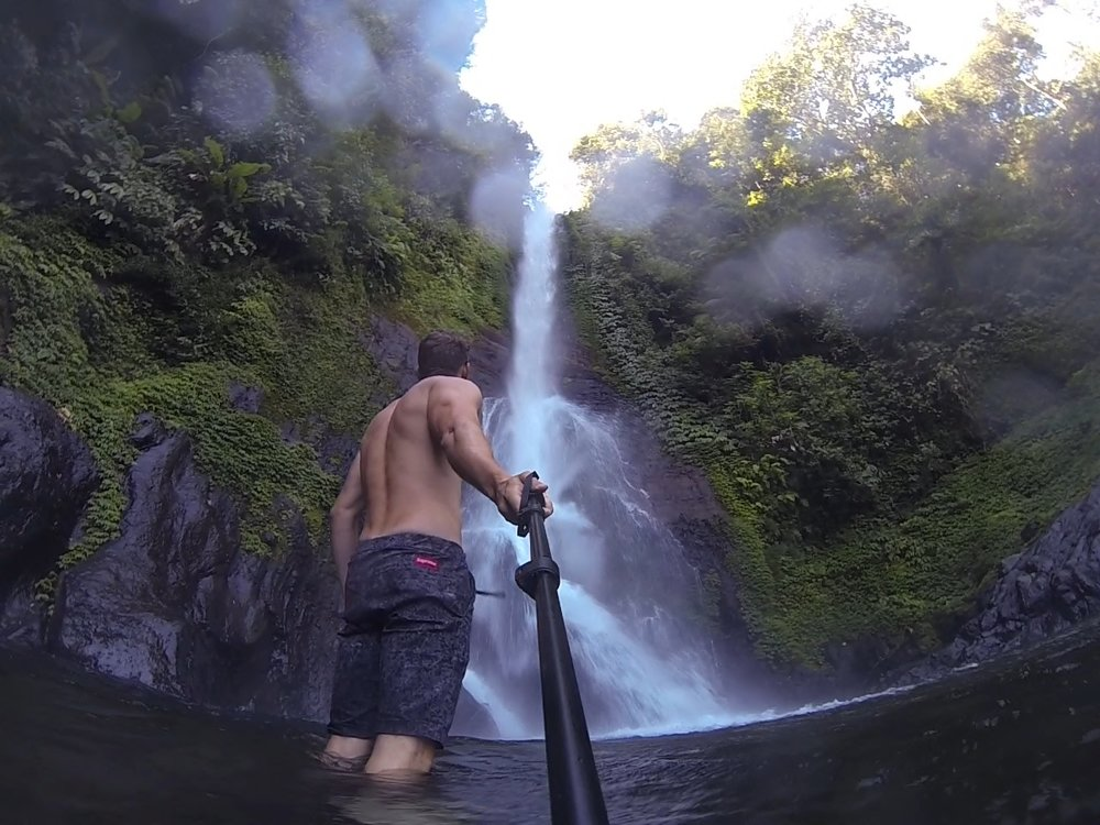 GoPro Selfie in Gitgit Waterfall - @lauriecrayston