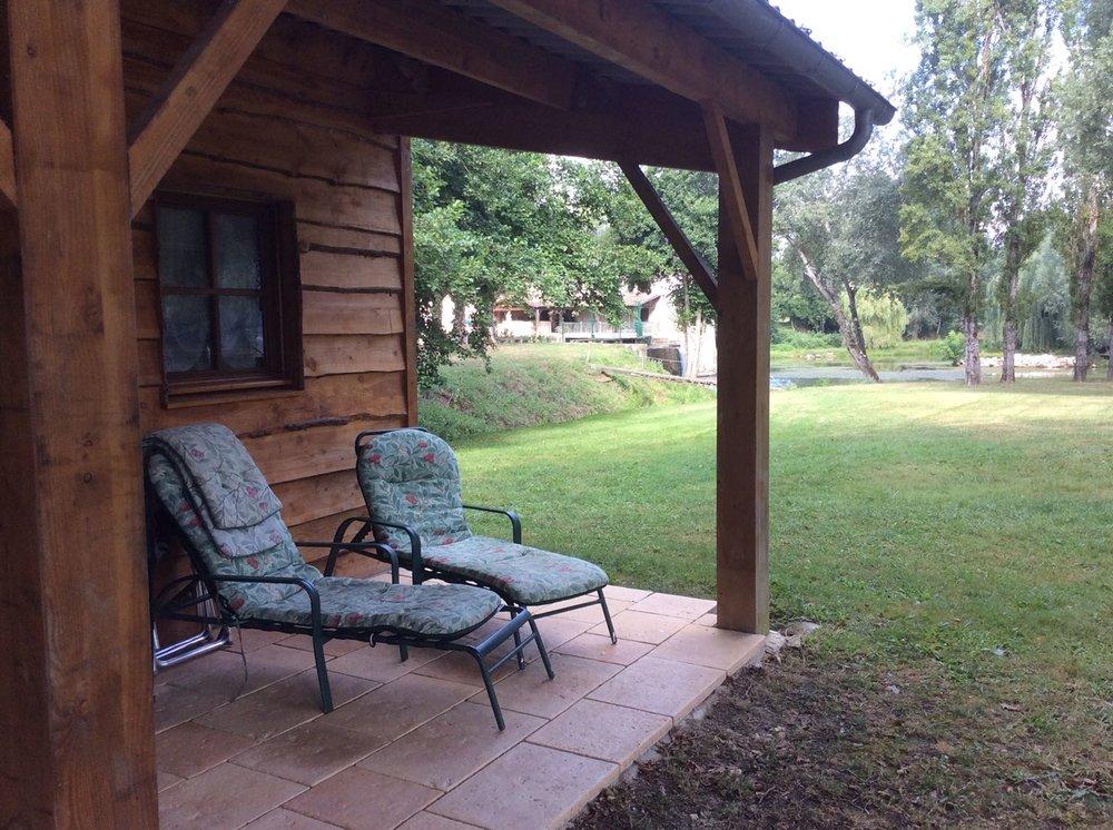moulin cabin 2.JPG