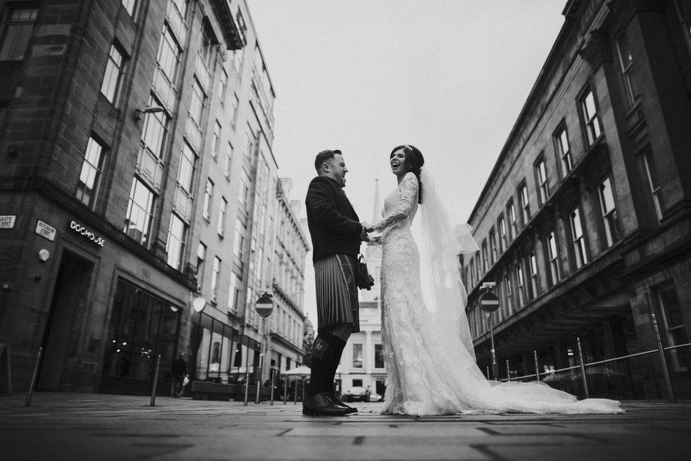 330_glasgow_wedding_photographer.jpg