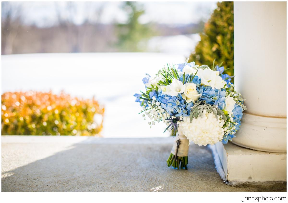 Winter-bouquet-pearls-key