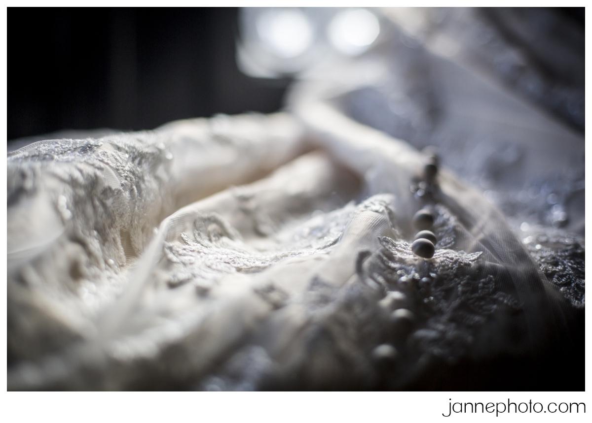 Blush-Ivory-Wedding-Dress_0002