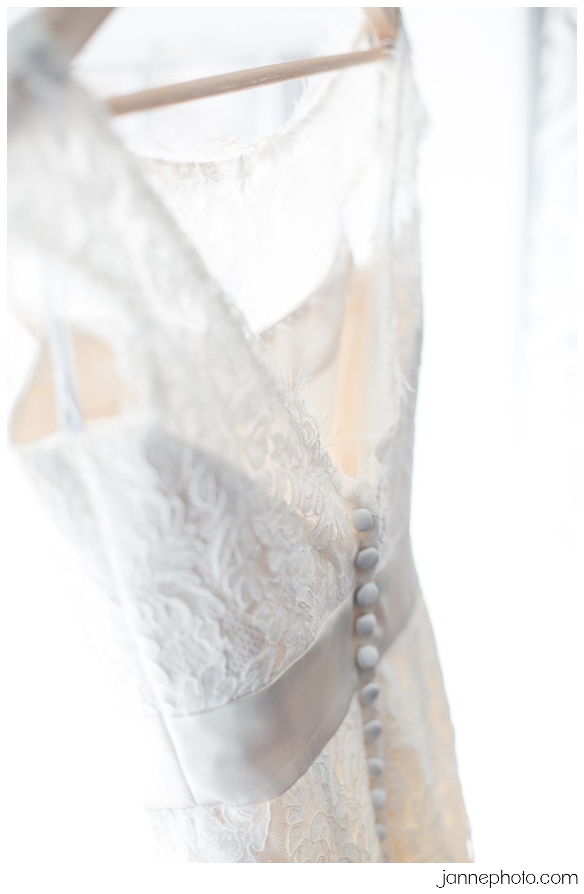 inexpensive-lace-wedding-dress-cincinnati