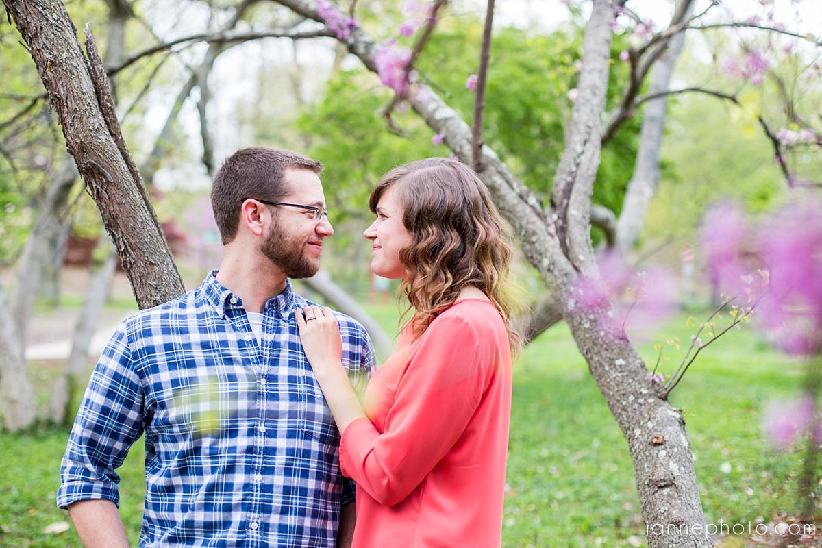 Cincinnati_Engagement_Photographers_Krohn_Conservatory