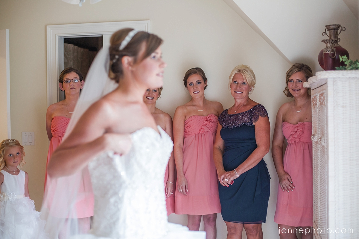 Coral_Navy_Summer_Wedding
