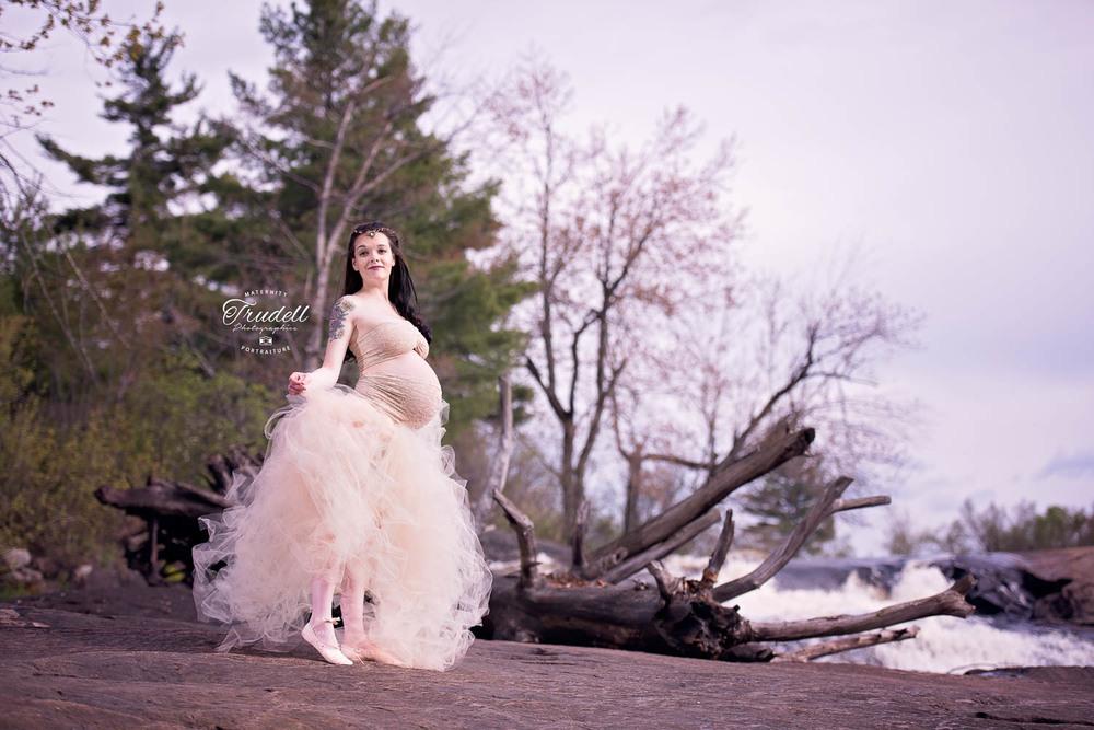 Alysha Maternity Watermarked Blog-5.jpg