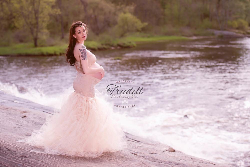 Alysha Maternity Watermarked Blog-13.jpg
