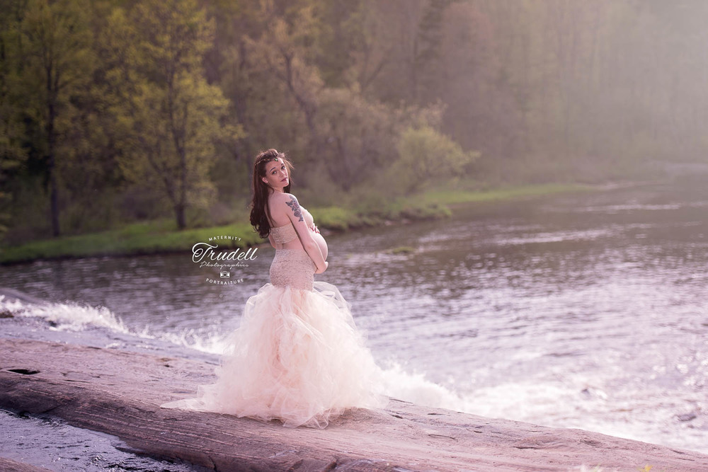Alysha Maternity Watermarked Blog-22.jpg