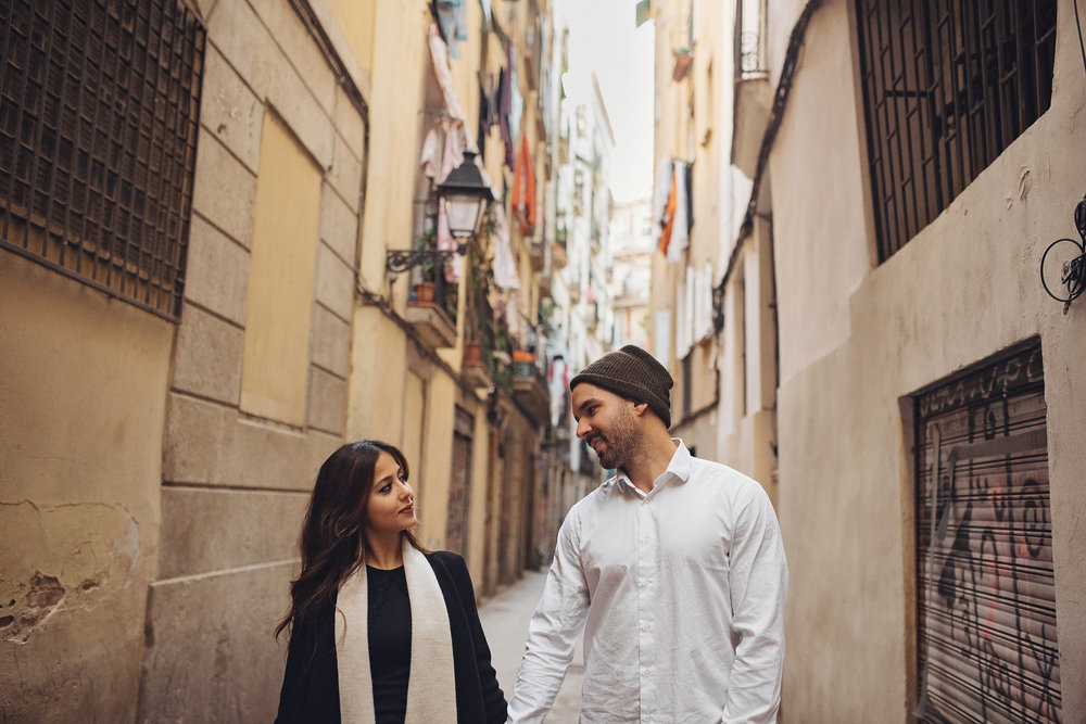 creative couples shoot - barcelona