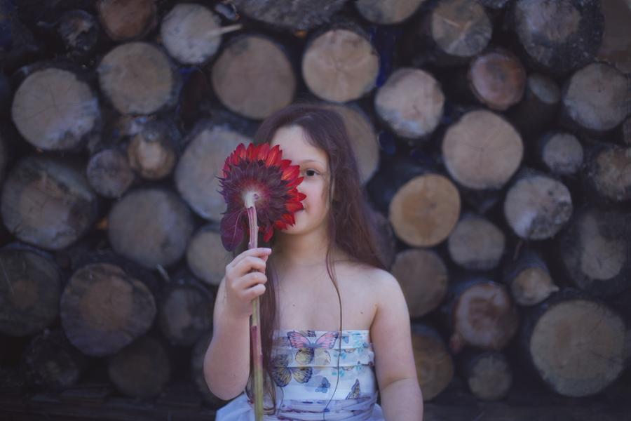 Ronne-Pierce-900-Portrait-flower-IMG_6292.jpg
