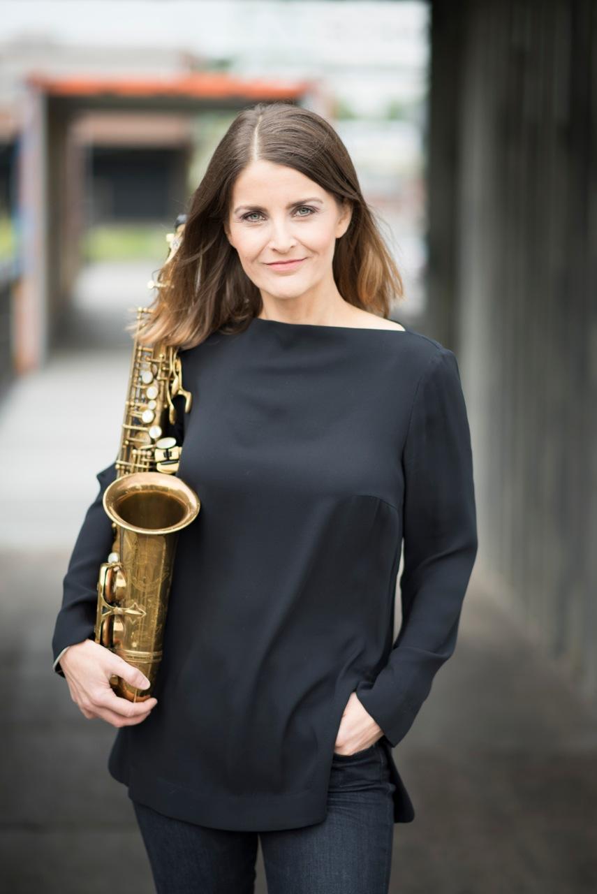 Karolina Strassmayer, Saxophone