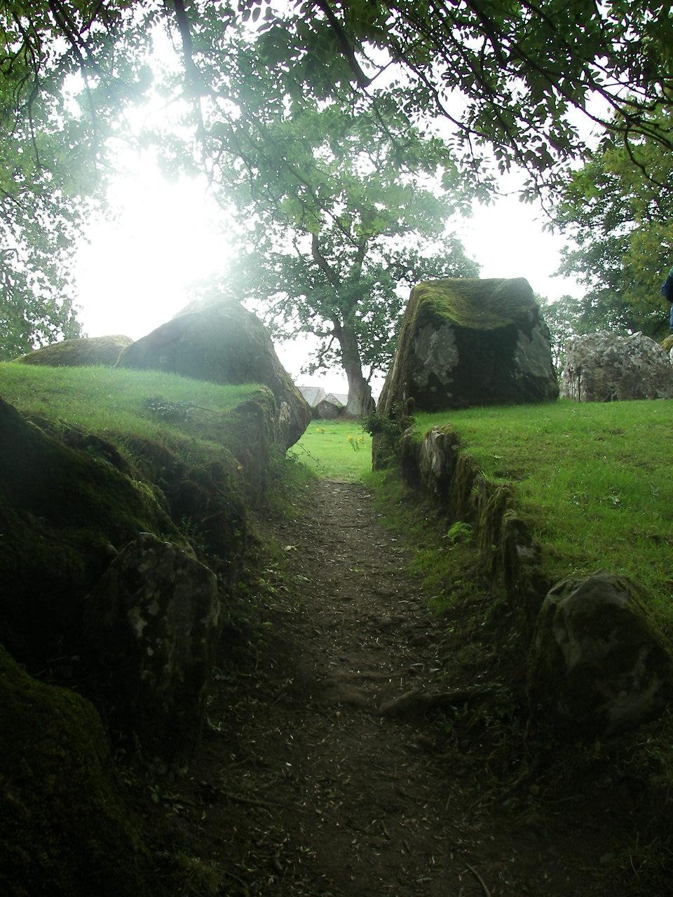 entrance to grange circle.JPG