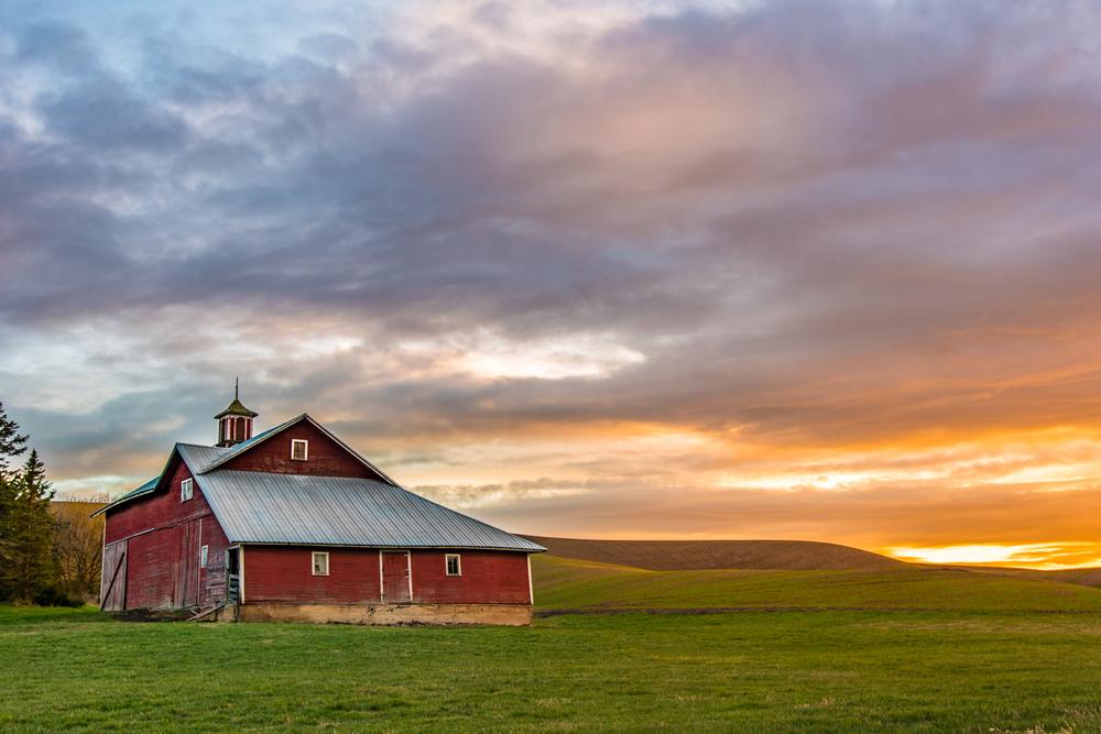 Red Barn Palouse Sunset