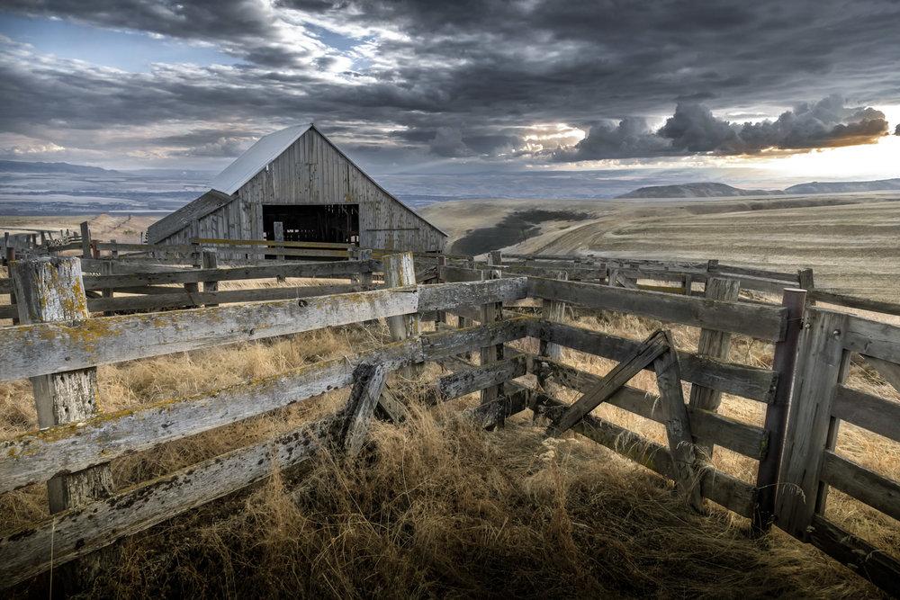 Valley Side Barn