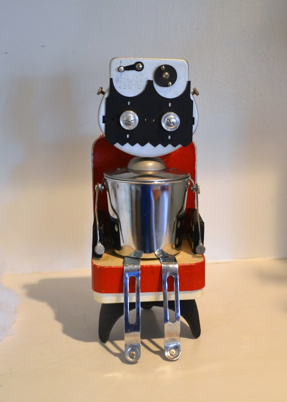 https://www.etsy.com/listing/214659342/cine-bot-a-recycled-robot-and-movie?ref=shop_home_feat_1