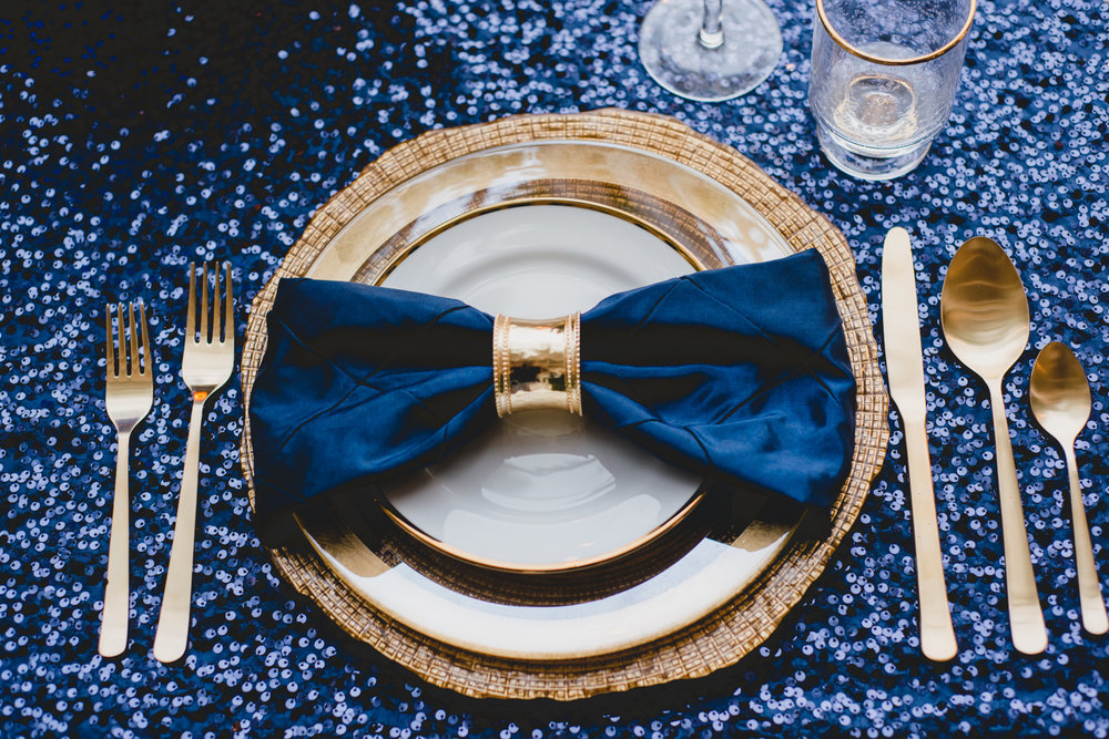 navy-gold-sweetheart-table@JonesPhotographyCompany