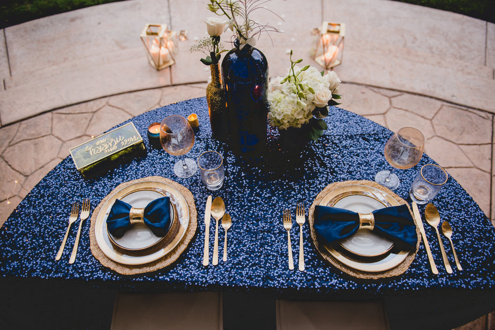 navy-and-gold-sweetheart-table-ideas