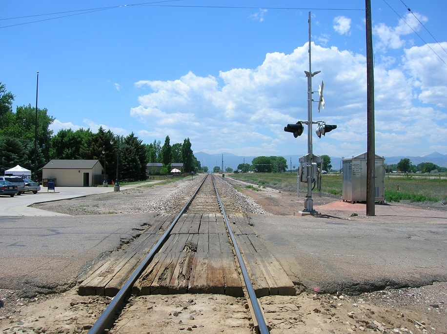 niwot_train_track.jpg