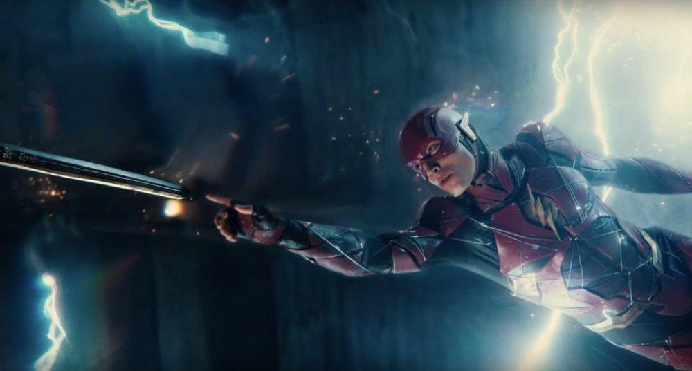 justiceleague-trailerbreakdown-flash-swordtouch.jpg