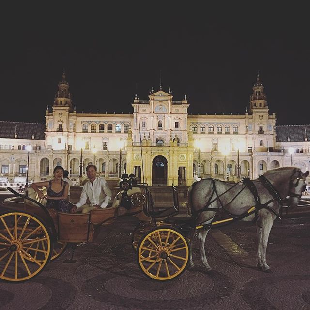 He picks me up this way #everyday #horsecarriage #sevilla #Spain #plazaespaña #instatravel