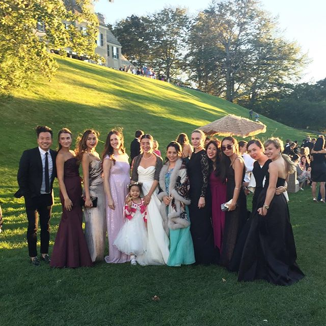 Spot all the #KungKatherine girls. hint: 7 of them  #goodtime #NewEnglandwedding #weddinggown #eveningwear #gowns #beautiful #newportri #wedding #ootd #throwback
