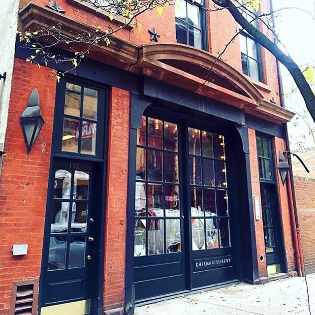 This is the #nyc treasure find -  where holiday shopping is full of wonderful surprises and style! #westvillage #holidayshopping #KungKatherine #designer #shopnyc #newyork #holidayshopping #giftidea #khirmaeliazov #shoplocal #madeinnyc #gift #xmas #newyorkcity #sale #ootd #style #fashion #look