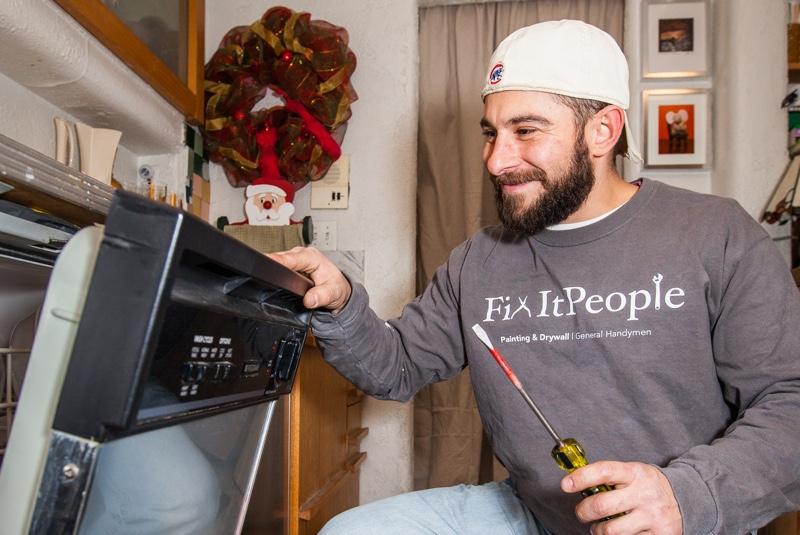 handyman-with-stove