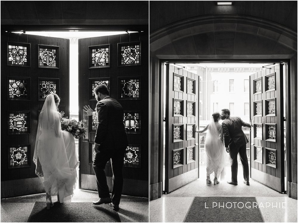 L-Photographie-Saint-Louis-wedding-photography-Cathedral-of-Saint-Peter-Forest-Park-Visitor-Center_0045 (1).jpg