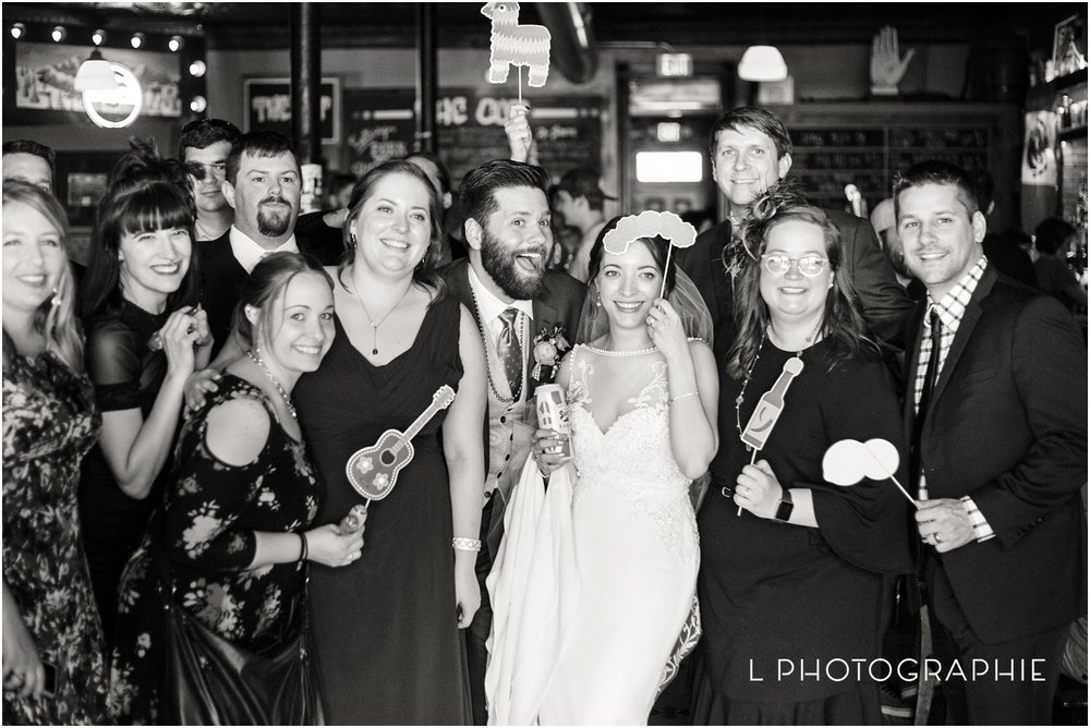 L-Photographie-Saint-Louis-wedding-photography-Cathedral-of-Saint-Peter-Forest-Park-Visitor-Center_0053.jpg