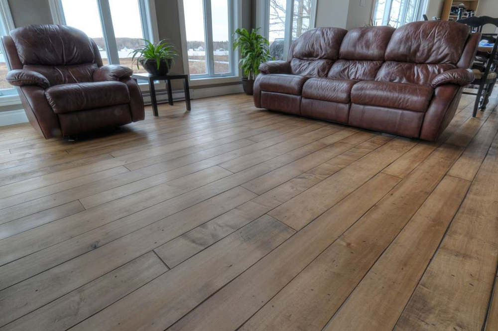 wide maple flooring.jpg
