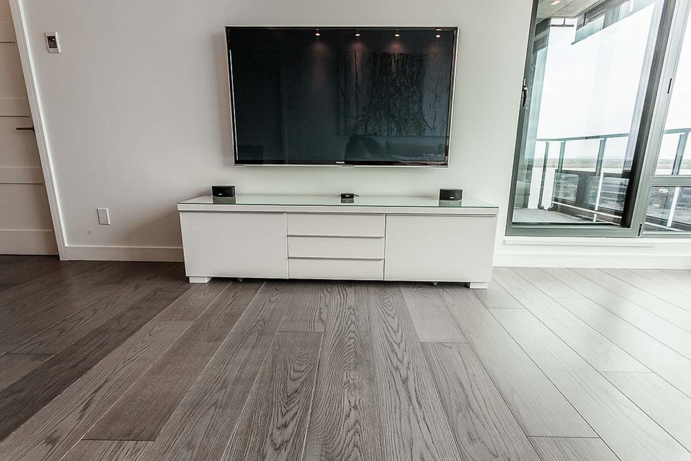 wide plank white oak flooring-2.jpg