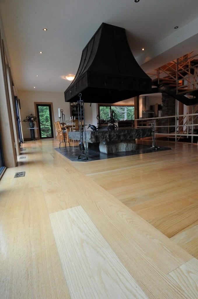 plancher-chene-rouge-verni-sur-place-5-679x1024.jpg