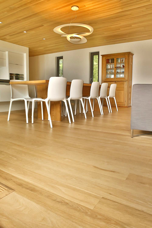 plancher-plafond-chene-rouge-select-6-12-pieds-teint-verni-mat.jpg