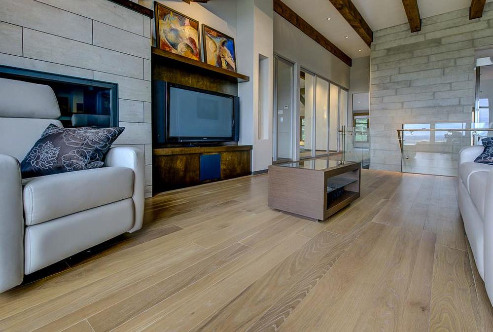 wide ash flooring.jpg