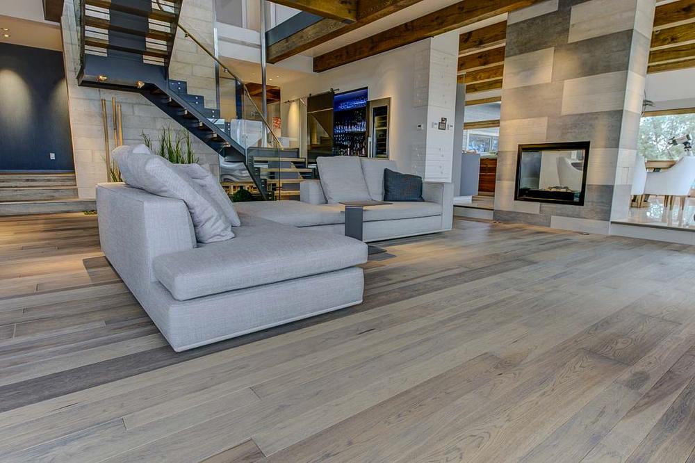 wide ash flooring-2.jpg