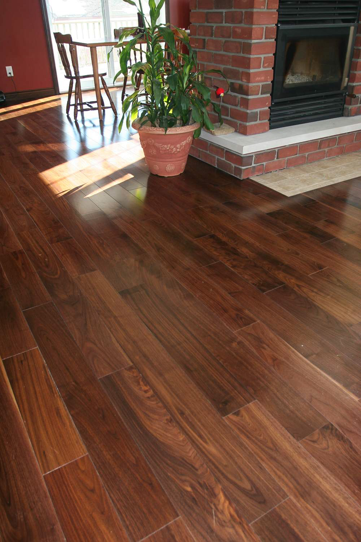 plancher-standard-noyer-noir-select-choisi.jpg