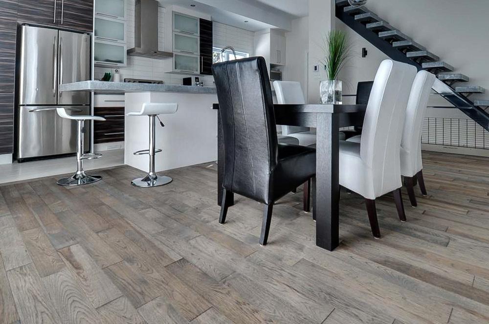 hickory 5 inch plank floor.jpg