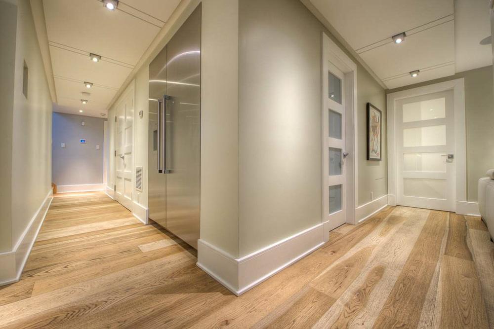 hickory hardwood floor-2.jpg