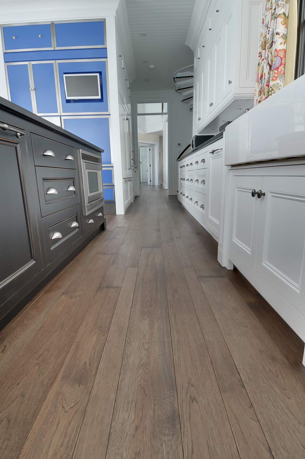 hickory kitchen hardwood floor-4.jpg