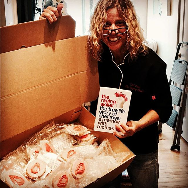 If you missed my show u can still visit east end books for a signed copy of the raging skillet and a gluten free vagina!!! #vivalavagina @eastendbooksptown @womrwfmr @feminist_press #ragingskillet #theragingskillet #chefrossi #chefrossinyc rock on!!!! Thank u for an awesome time Provincetown!