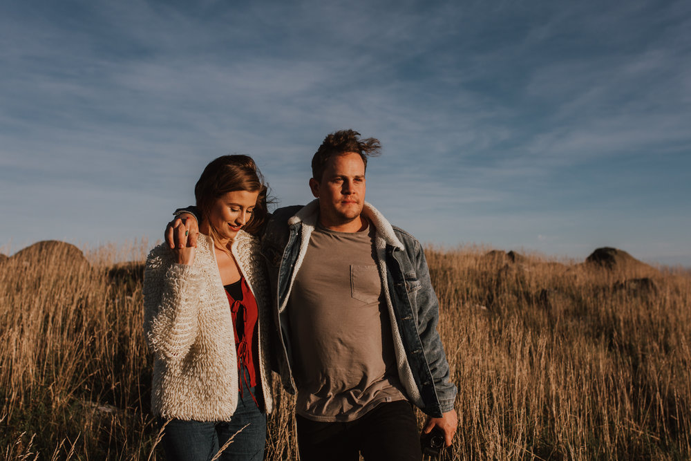 Nelson-Photographer-Adventure-Couple-Golden-Hour-Sunset-25.jpg