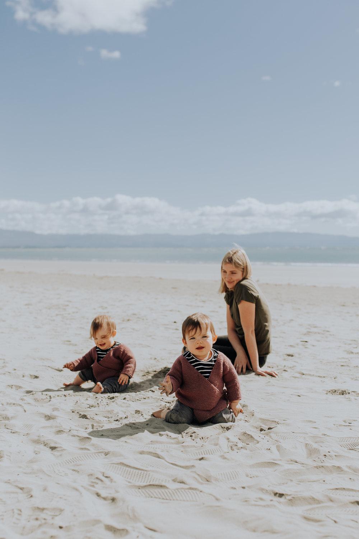 Nelson-Family-Photographer-We-Are-The-Watsons-Twins-Beach-Photoshoot-NewZealand-04.jpg