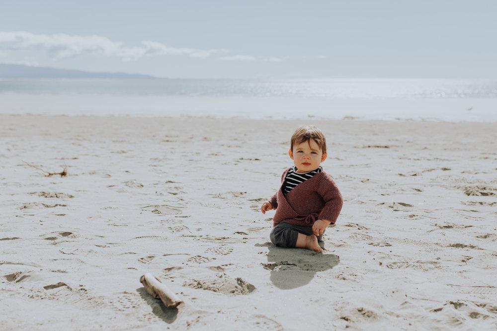 Nelson-Family-Photographer-We-Are-The-Watsons-Twins-Beach-Photoshoot-NewZealand-06.jpg