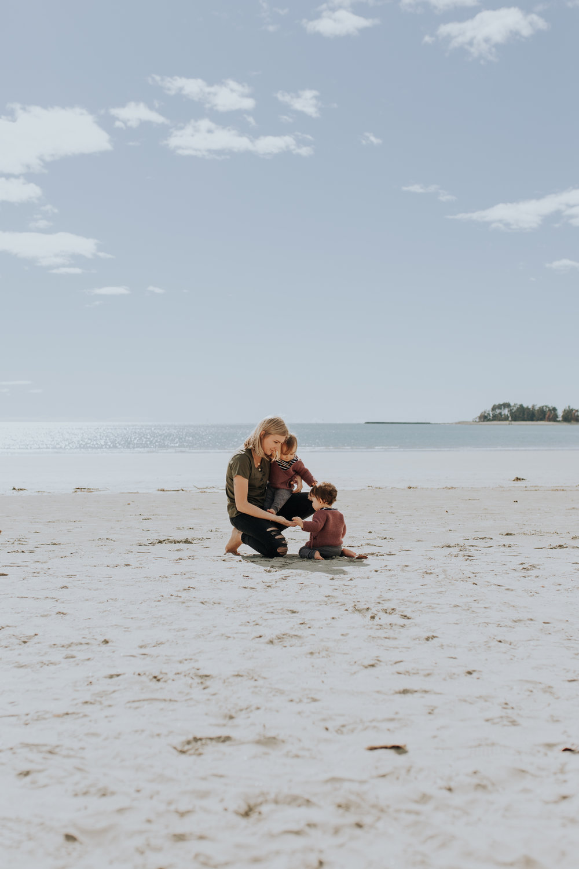 Nelson-Family-Photographer-We-Are-The-Watsons-Twins-Beach-Photoshoot-NewZealand-09.jpg