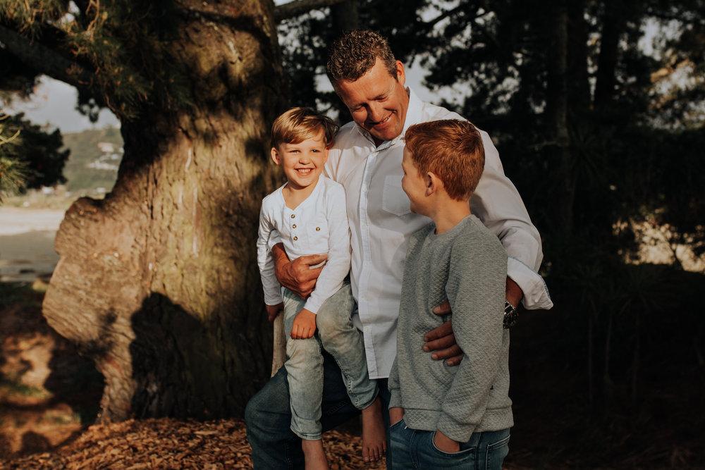 Nelson-Family-Photographer-Portrait-Tahunanui-Golden-Light-13.jpg