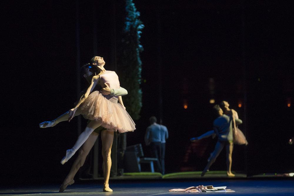 Victoria Jaiani_Temur Suluashvili in Orphee. Courtesy of Lyric Opera Chicago. Photo by Todd Rosenberg.JPG
