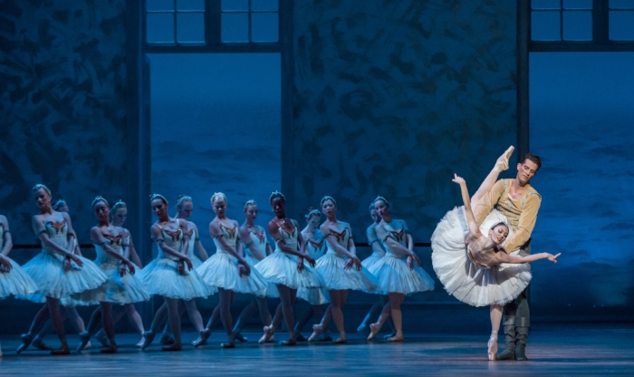 Victoria Jaiani_Dylan Gutierrez_Swan Lake_Photo by CHeryl Mann 15.jpg