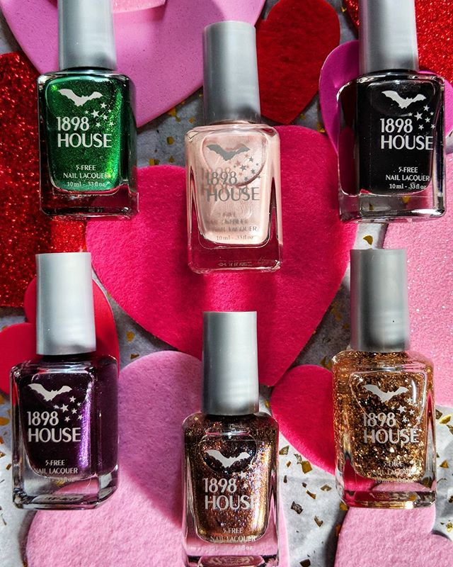 💖It's only a short time before Valentine's Day to grab a gift for your honey(or yourself!)💖Act with haste!!💖 {Link in bio} 💖 #5free #healthynails #healthybeauty #noparabens #parabenfree #veganbeauty #nontoxicnails #genderfluid #designedinkc #doyournails #beautyathome #instakc #igkansascity #kansascity #kcmo #1898house